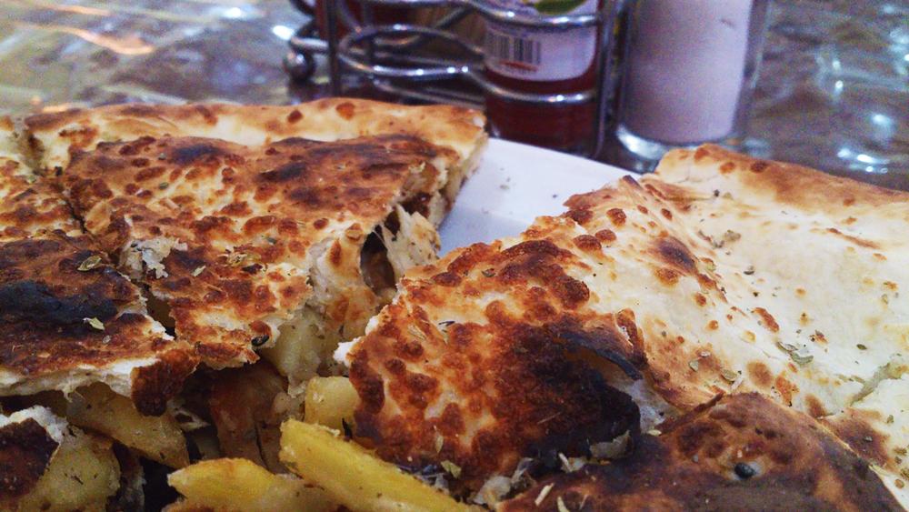 اكترا-شاورما,-مطاعم-الصخرة