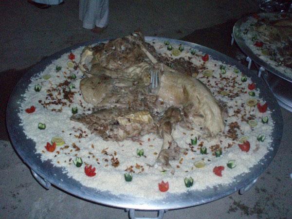 وجبة الحاشي من مطعم الزاد